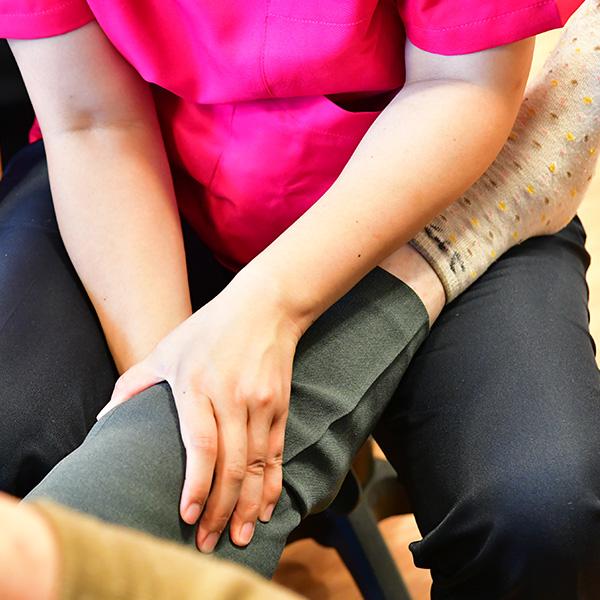 形態の違う複数の介護施設を併設して、要介護者様の生活を支えていきます
